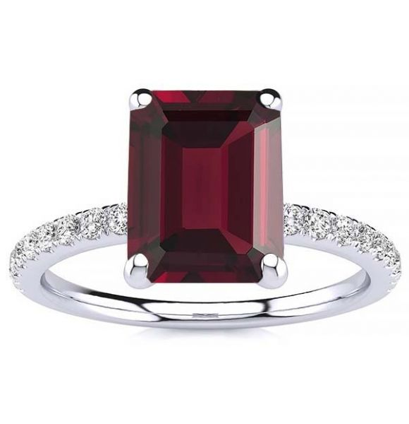 Yana Garnet Ring