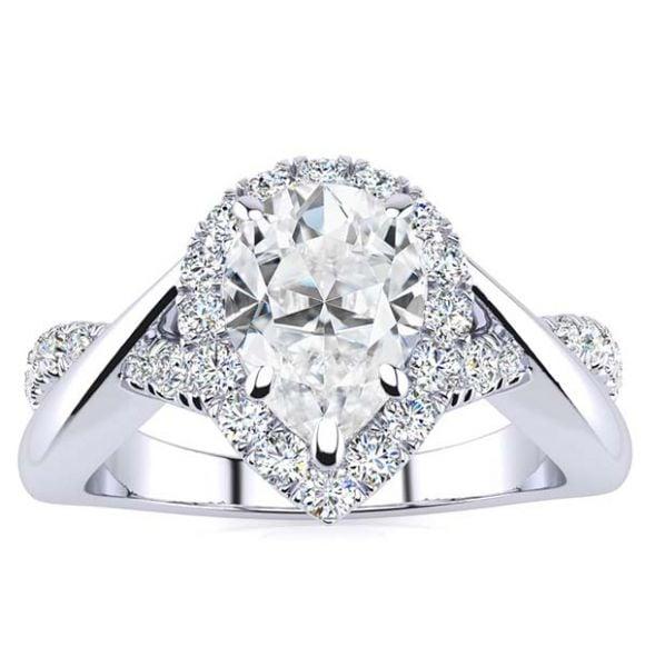 Fiona Moissanite Ring