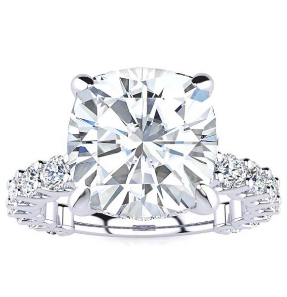 Griselda Moissanite Ring