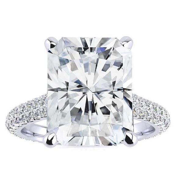 Ariana Moissanite Ring