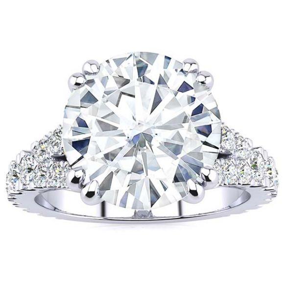 Regina Moissanite Ring