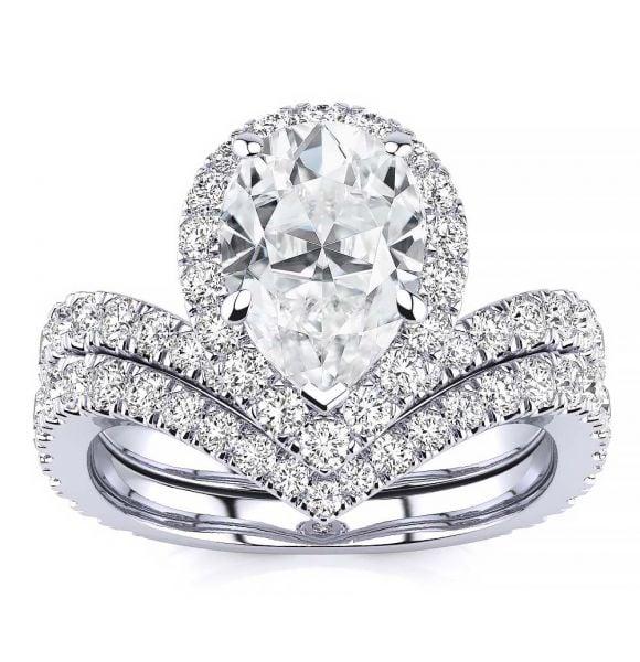Anna Moissanite Ring