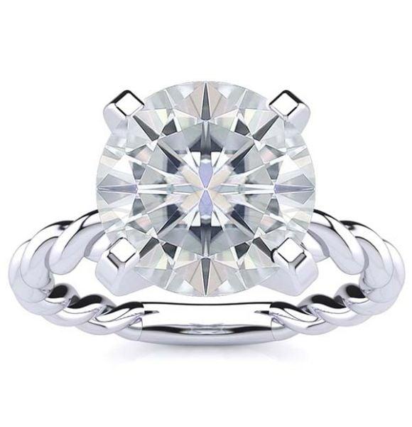 Gloria Moissanite Ring