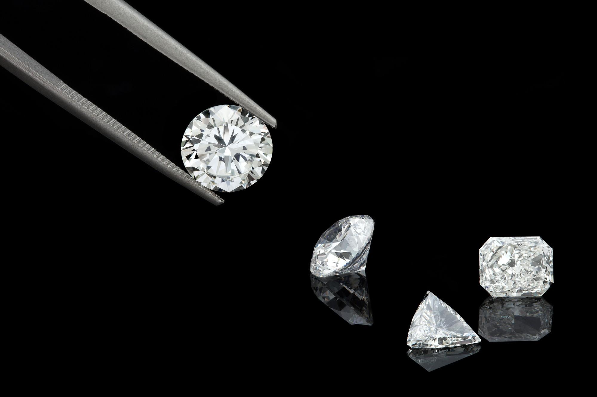 Moissanite vs Diamonds: Why You Should Choose Moissanite Over Diamonds